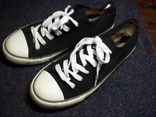 CEDARWOOD STATE/BLACK CANVAS/WHITE LACE/PLIMSOLLS/TRAINERS/SIZE 8