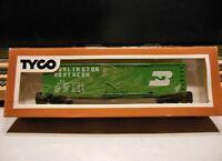 """TYCO 339-E HO Scale 50' Plug Door Boxcar """"Burlington Northern"""""""