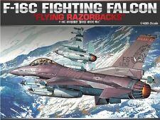 Academy 1/48 F-16C Flying Razorbacks Cartograf Aircraft Plastic Model Kit 12204
