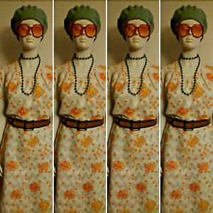 Vintage  Short Sleeved White/Orange/Yellow Floral Day Dress Size 18