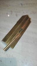 Serrure à systéme de meuble ancien asiatique, serrure cachée en laiton. 05A340