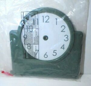 Green Plastic Teaching Clock Classroom Large NEW
