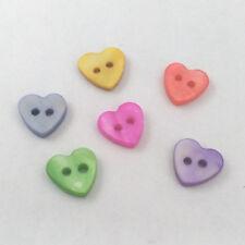 lote de 30 perlas BOTONES CORAZONES HEART 2 AGUJEROS NÁCAR NATURAL 10mm
