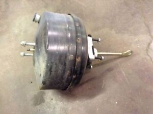 99 00 01 02 03 04 FORD F250 F350 EXCURSION POWER BRAKE BOOSTER VACUUM BOOSTER