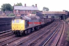 PHOTO  CLASS 25 DIESEL 25271 AT WALSALL ON 21/09/78. THE TRAIN IS HEADING SOUTH