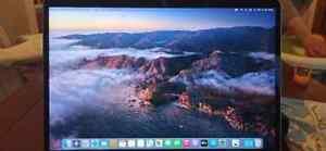 Apple MacBook Pro 15,4 Zoll (256GB SSD, Intel Core i7 7. Gen. 2,80GHz, 16GB)