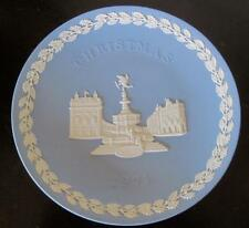 """1971 Wedgwood Jasper Ware Piccadilly Circus 8"""" Christmas Plate"""
