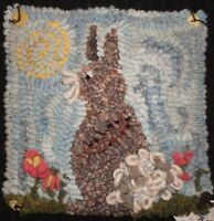 SPRING BUNNY ~ RUG IN A DAY LINEN PATTERN ~ PRIMITIVE RUG HOOKING
