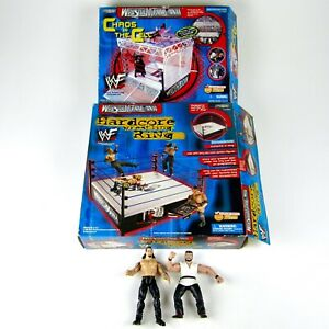 2000 WWF- Wrestlemania XVII Hardcore Wrestling Ring/Chaos in the Cell + 2 Figs!!