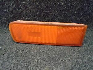 95 96 97 98 99 Nissan Maxima Right Front Bumper Outer Turn Signal Light Lamp OEM