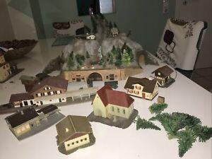 Spur Z Häuser, Ecktunnel  mit licht  Gebraucht.