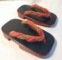 Japanese Japan RED BlACK WOODEN WOOD Clogs Geta Sandals Small Kids Souvenir VTG