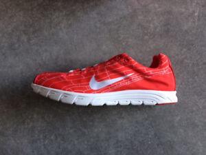 Nike Mayfly Gr 45 in rot - Neu ungetragen - wie free oder flyknit nur leichter