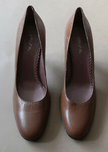 **Classic Size 41 Unisa Spanish Mid Brown Leather Women's Shoes