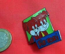 Comic Pin Fix & Foxi Badge