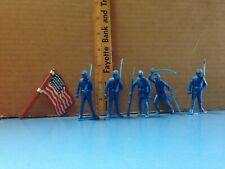 Vintage Civil War Union Toy Soldiers With 36 Star Tin US Flag