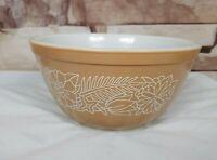 Pyrex by Corning Woodland 402 Nesting Mixing Bowl Tan w/ White Design 1.5 Qt USA