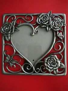Frame with Interior Heart Roses & Butterfly Very Pretty Pewter Gantz EUC
