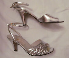 vintage 70's Gucci metallic silver anlle strap woven accent open toe shoes 35.5