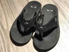 🔥REEF Mens Fanning Black Bottle Opener Flip Flop Sandal Shoes Size 8 ZP-425🔥B4