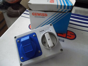 GW66104 Presa interbloccata 2P+T 16A senza fondo Gewiss