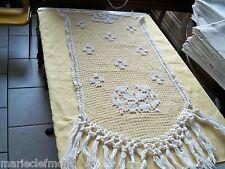 joli rideau ancien au point de fillet   45 X 70 (sans les franges)