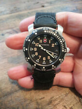 Vintage Victorinox Swiss Army Renegade Military Men's Divers Style Watch Nice!!