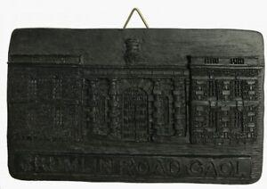 Irish Turf Crumlin Road Gaol (F51)