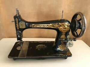 1892 Singer 127 Sphinx treadle sewing machine Antique gold 10867658 black crank