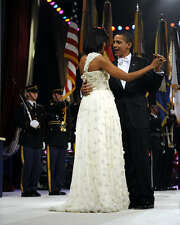 PRES BARACK AND MICHELLE OBAMA DANCE AT BALL 8X10 PHOTO