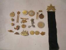 LARGE LOT OF MARY KAY ASH MEDALS AND AWARD LAPEL PINS AND MORE - OFC-3