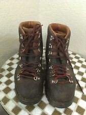 USA VINTAGE VASQUE LEATHER MOUNTAIN HIKING TRAIL BOOTS 10 D