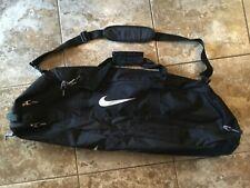 Nike Adult Basball / Softball Duffle Bag ( Black ) Preowned