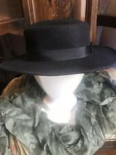Vintage 1950s Beautiful Black Felt Medium Brim Ribbon Hat