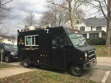 Newly Painted 2003 E450 Super Duty Kitchen on Wheels / Used Food Truck for Sale