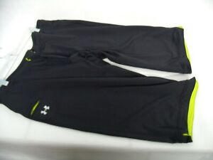 D734 UNDER ARMOUR GREEN HEAT GEAR SEMI-FITTED ATHLETIC CAPI'S  SIZE LARGE