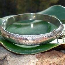 Bracelet - Vintage Silver Unlimited (SU) Sterling silver hinged etched Victorian
