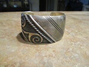 OUTSTANDING  Vintage TOMMY SINGER (d.) Navajo Sterling Silver DESIGN Bracelet