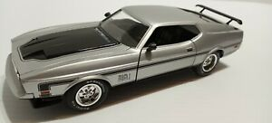 "1:24 1971 ""Mach 1"" Mustang Diecast in Light Pewter, Testors Platinum Series,"
