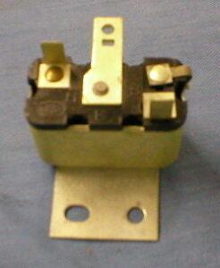 1966 - 1967 Lincoln Convertible top control relay