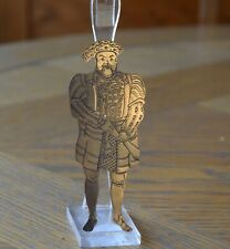 A VINTAGE BRITISH HERITAGE SILVER PLATED BOOKMARK OF KING HENRY VIII