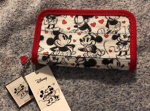Harveys Seatbelt Disney Mickey Loves Minnie Classic Wallet NWT