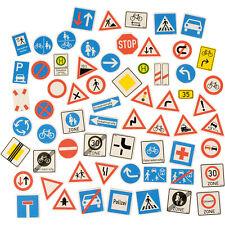 EDUPLAY 120488 Verkehrszeichen magnetisch, Kunststoff, mehrfarbig, 64-teilig (1