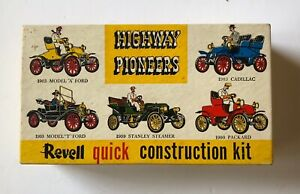 Revell Quick Construction Kit Highway Pioneers Packard 1900 Model Car H-33