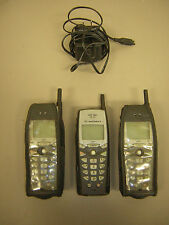 Motorola i30SX (Sprint Nextel) Cellular Phone, Bundle 3 Phones 1 Charger