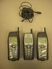 Motorola i30SX (Sprint Nextel) Cellular Phone, Bundle 3 Phones 1 Charger