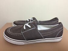 Boys Boat Shoes Size 4 - NEW from The Children's Place