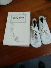 Vintage Baby Deer Shoes Basic creepers White Leather Size 2W with Box