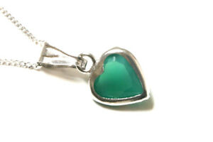 9ct White Gold Agate Pendant and chain Heart Necklace Gift Boxed Made in UK
