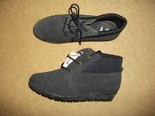 Ladies navy suede boots size 5 (EEE)